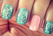MERmazing Nails and Makeup / Beautiful mermaid inspired nail art and Makeup. Great resource for mermaid costumes, makeup tutorials, everyday makeup ideas, mermaid nail designs and tutorials, D.I.Y nail designs, and mermaid nail art.