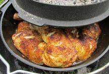"""Kochen, Grillen und Backen im Garten / Verschiedenes im """"Dutch-Oven"""" und auf dem """"We Grill"""" zubereitet"""