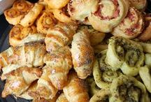 Apéro ! ❧ / #Beforedinner #aperitif #apero #pizza #feuilletes