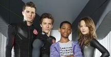 Lab Rats (2012-2016) / A scrawny 14-year-old, having discovered his inventor stepdad has three bionic, super-powered teens living cloistered in a secret lab beneath their home, brings them out into the world. Staring: Billy Unger, Kelli Berglund, Spencer Boldman, Tyrel Jackson Williams, Hal Sparks, Mateus Ward, Angel Parker, Maile Flanagan,  Jeremy Kent Jackson, Will Forte, Madison Pettis, Graham Shiels...