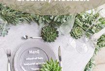 Greenery Hochzeit / Auf dieser Pinnwand findest du alles von Tischdeko über Blumenarrangements und Gastgeschenken bis hin zum perfekten Brautkleid in Greenery. Frisch grüne Töne, die an Frühlingserwachen und Natur erinnern.