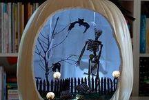 Halloween dream / Costumes and Jack-o-lantern pumpkins
