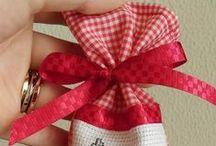 idee regalo per natale / qui trovi tantissimi deliziosi pensierini natalizi a poco prezzo...e se non trovi quello che desideri chiedi e sarai soddisfatto !