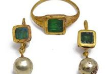Vintage & Antique Jewels / A collection of Vintage & Antique jewellery....