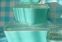 Vintage Kitchens & Kitchenware