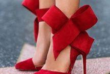 Fashion / Dresses,shoes,handbags, oh my!
