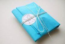 Packaging | Etsy business ideas / Craft packaging ideas, Etsy packaging.  Share photos of the way you package your Etsy items.To join this group board : ★ [1] FOLLOW MY ACCOUNT ★ [2] SEND e-mail request to infos@lespetitspoissontbleus.fr  ------ Partagez des photos des emballages de vos créations vendues sur Etsy, ALM, Dawanda... Pour participer : ★ [1] ABONNEZ-VOUS à mon compte ★ [2] ENVOYEZ-MOI une demande à infos@lespetitspoissontbleus.fr