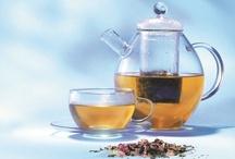 Piramide Luxe losse thee / Op dit bord zijn ons unieke assortiment biologische luxe losse (kruiden)thee te vinden; Flower Power, Lovely Lemon, Pure Love en Super Star. De luxe losse thee is zeer geschikt om cadeau te geven maar natuurlijk ook geschikt als verwenmoment voor jezelf.