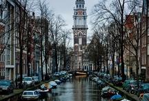 WELKOM   Nederland / Oost west, thuis best. De molens, kaas en klompen zijn bekend over de hele wereld. Maar wat vinden wij Nederlanders eigenlijk typisch Nederlands? Geef jouw suggesties en ontdek Nederland!