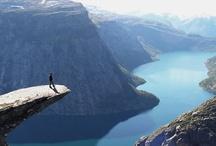 VELKOMMEN   Noorwegen / Spectaculaire Fjorden, veel sneeuw en ijs en natuurlijk het Noorderlicht; Noorwegen is een prachtland! Naast de indrukwekkende steden en de bezienswaardigheden in Noorwegen is ook de bijzondere natuur voor veel mensen een reden om een bezoek aan dit land te brengen. Ontdek Noorwegen!