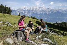 """Berge und Wanderung / """"Zu Fuß kann man besser schauen"""". Wandern ist mehr. Wir fühlen, riechen und hören intensiver, was uns umgibt.  Haltet die schönsten Erinnerungen an Wanderungen in einem #CEWE FOTOBUCH fest! Zu dem CEWE FOTOBUCH: http://www.foto.at/cewe-fotobuch.html"""