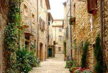 Bella Italia! Toscana... / Die Toskana ist seit langem eine beliebte Urlaubsregion. Die Landschaft mit ihren sanften Hügeln und die köstliche Küche haben sicherlich ihren Anteil daran. Darüber hinaus ist die Toskana Heimat der bedeutendsten Renaissance-Städte, so dass Naturfreunde wie Kultursuchende gleichermaßen auf ihre Kosten kommen. Toscana Tuscany  Fototipps Sommerreise (Reisefotografie): Unterwegs in Europa: http://blog.foto.at/fototipps-sommerreise-reisefotografie/