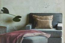 Poltrone su misura / Nespolo divani: Una predisposizione naturale a realizzare i vostri progetti.   Legno, pelle, tessuti, le nostre mani: NESPOLO DIVANI prende dalla natura gli attrezzi del mestiere. Ecco perchè abbiamo una predisposizione naturale a realizzare i vostri progetti.