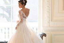 Wedding Dresses With Sleeves / If you are looking for that unique look, why not try a a Bespoke Wedding Dress with Sleeves? Get inspired here.