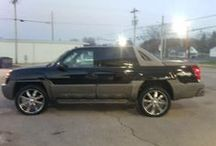 2002 Chevrolet Avalanche - $9,495 / Make:  Chevrolet Model:  Avalanche Year:  2002  Exterior Color: Black Interior Color: Tan Doors: Four Door Vehicle Condition: Good     Phone:  270-320-1034   For More Info Visit: http://UnitedCarExchange.com/a1/2002-Chevrolet-Avalanche-724257585191
