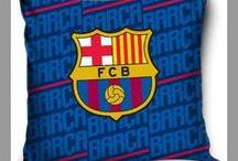 FC Barcelona - pościele, ręcznik, poszewki / Kolekcja pościeli, ręczników, poszewek na jaśki i poduszek dostępna na stronach sklepu KamKryst - https://www.kamkryst.pl/fc-barcelona-messi-c-82_91.html Pościel Barcelony w rozmiarach 140x200 i 160x200 cm, bawełniane ręczniki kąpielowe, poszewki na poduszki ze 100% bawełny - nieodzowne elementy wystroju pokoju każdego kibica Barcelony.