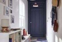 Corredores / Não esqueça de decorar seu corredor! Com alguma criatividade, vira um espaço incrível e cheio de memórias.