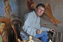 Ramiro Ramirez Cardona / Pintor nacido en Chinchiná (Caldas) en 1954, en el seno de una familia de artistas escultores y pintores autodidactas.   El cuerpo humano más que un ser erótico o deseoso de fuga libido, es por sí mismo, por su esencia más inmediata, un soñador, un creador y es a través del cuerpo, de ese mismo cuerpo aporreado, que se ha convertido en un ser comunicante de sueños, de ambiciones, de dudas y soledades, que el hombre ha imaginado y que cada día nos asombra.