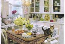 Small Spaces/Big Style Decorating / Elegant style for small spaces. / by Katt Robb