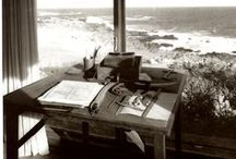 Writing spaces to inspire / Dream writing spaces. Writers show the places in which they write.