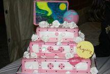 Torte Compleanno Adulti / Come coronare un festa se non con una torta che parli di te, o che parli delle tue passioni o perfino anche solo dei tuoi difetti......