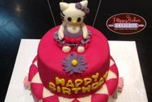 Hello Kitty Cakes and Ideas / All bright and wonderful ideas of Hello Kitty