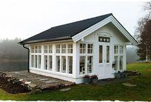 Små hus, drivhus og lekestuer