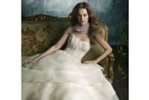 Sample Sale / Sample sale dresses available at GIGI of Mequon.