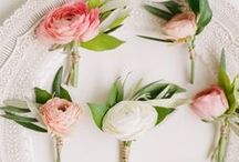 Wedding Boutonnieres / Beautiful wedding boutonniere inspiration for brides. Learn to make DIY boutonnieres for your man on the big day, and browse various styles to find the perfect one for your budget wedding!