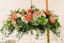 Wedding Arrangements / Beautiful wedding floral arranging inspiration for brides. Thinking of DIY wedding flowers? Let these gorgeous pictures be your inspiration into lovely floral bliss for your budget wedding.