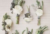 Colors - White Flowers / Beautiful white wedding flower inspiration for brides