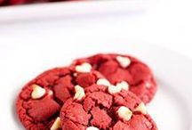 Cookies, cookies, cookies! / Amazing cookie recipes that I may experiment with. You can never have too many cookies!!
