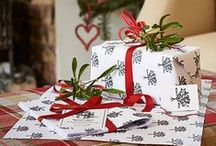 Christmas Gift Wrapping / From simple brown paper packages tied up with string, to printing your own DIY wrapping paper for personal presents, and all the pretty little accents in between that make wrapping Christmas gifts such a joy