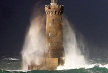 Lighthouses / Lighthouses are beautiful and guide the way in the dark