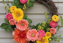 Circular things of beauty / Wreaths are beautiful and look so easy to make. I want to make lots and then change them around for different times of the year