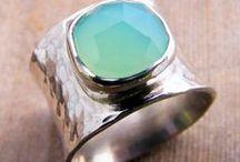 Jewellery / Jewelery