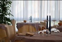 La Sala da pranzo dell'Hotel Torino  / La nostra sala da pranzo completamente climatizzata Vi aspetta a tutte le ore del giorno per scandire la giornata dalla colazione al pranzo per finire con la cena. Diciamo che è uno dei CUORI PULSANTI DELL'hotel Torino