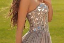 Graduations Dresses / So many Pretty Prom Dresses