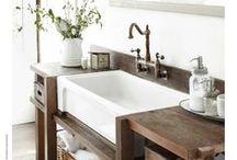 Decor:  Bathrooms / Beautiful bathrooms and storage ideas.