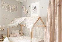 Mia szobája