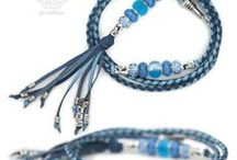 Different shades of blue - Kangaroo leather show leads / Kangaroo leather show leads in blue