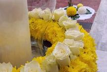 Στολισμός Γάμου / Ένας εξαιρετικός στολισμός γάμου σε εκκλησία σε κίτρινο και λευκό χρώμα με χρυσάνθεμα ολλανδικά Baltica.