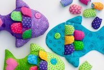 Sewing Toys / How to sew toys and softies for the kids. Sharing the best sewing tutorials, patterns and inspiration.