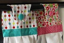 Kitchen Sewing / How to sew pot-holders, tea towels and all things for the kitchen. Sewing tutorials, patterns and inspiration.