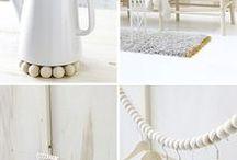 SAND & GOLD PASTEL SHADES / Sélection d'objets et d'accessoires autour des couleurs sable, doré et latté.