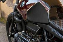 BMW / Bmw motosikletler hakkında eski ve yeni görseller. Daha fazlası için; http://motovideo.net/actor/bmw/