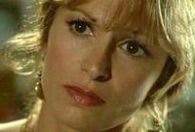 Béatrice Agenin / Béatrice Agenin est une actrice, comédienne de doublage, metteur en scène et producteur de théâtre française, née le 30 juillet 1950 à Paris.