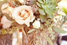 Fall wedding ideas / Decor, color palettes and other ideas for fall and autumn weddings. Jewel tone weddings.