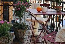 Pieniin tiloihin - ulkokalusteita esim. parvekkeille / Kahvipöytiä, pieniä ulkopöytiä, parvekepöytiä