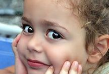 masum yüzler / Her çocuk İslam dini üzere doğar.Bembeyaz boş sayfalar